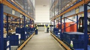 Robot order pickinng for Automotive